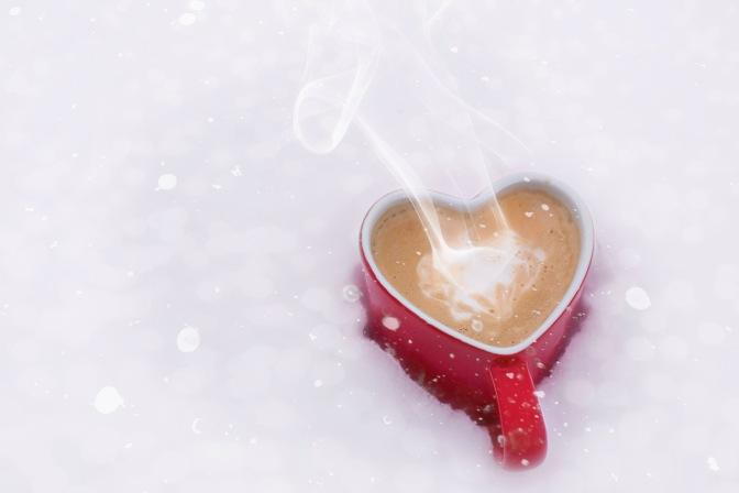 Mug of hot-chocolate in the snow